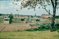 0002205_FourCorners_Photograph_WilfThust_HarryThorpe_ResearchOnAllotmentsInBirminghamSetupByProfessorThorpe_1975_Photo09